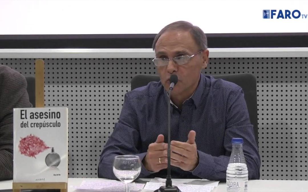 Eloy del Río presenta su primer libro en la Biblioteca Pública Adolfo Suárez