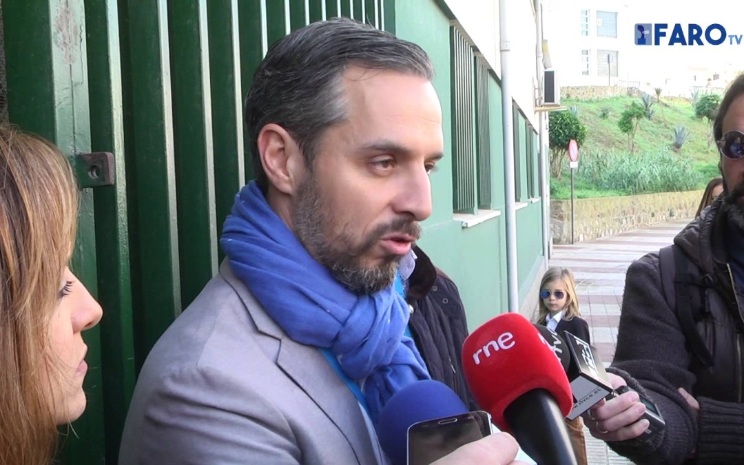 El candidato al congreso por el PP de Ceuta, Juan Bravo, ha ejercido su derecho al voto