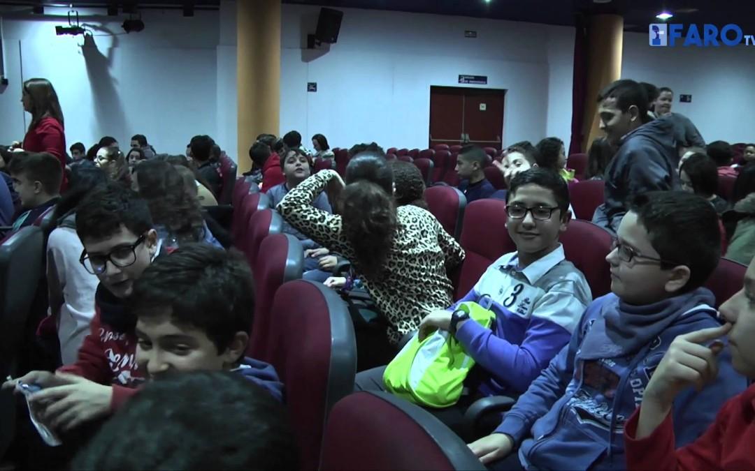 200 estudiantes de secundaria asisten a la proyección de 'Arrugas' en el Ayuntamiento