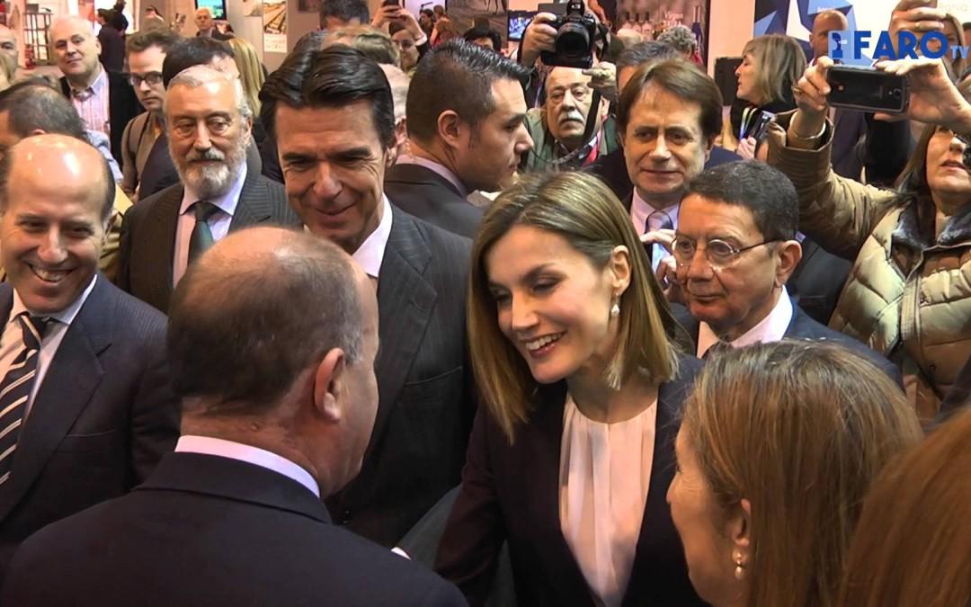La Reina Dª Letizia visita el stand de Ceuta en Fitur por primera vez