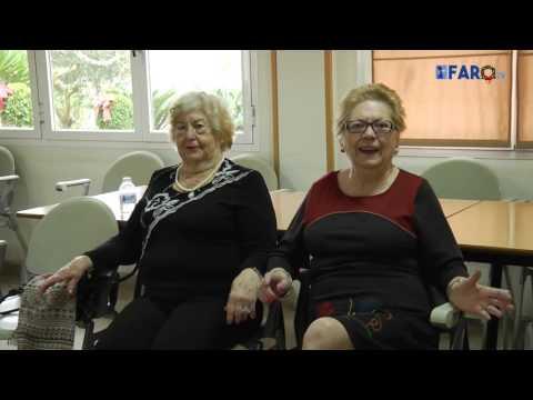 Los Reyes Magos visitan a los mayores del centro social