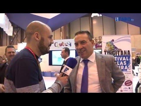 Bernd Schuster y Paco Buyo atienden a FaroTV en el stand de Ceuta en Fitur