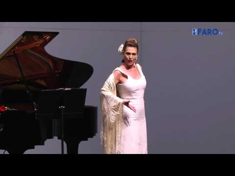La soprano Ainhoa Arteta en el Teatro Auditorio del Revellín