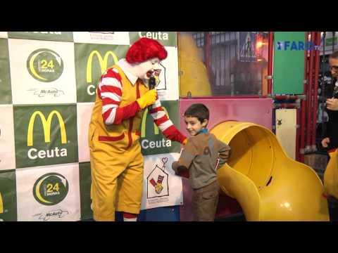 Ronald McDonald's visita Ceuta y los pequeños lo pasan 'Happy'