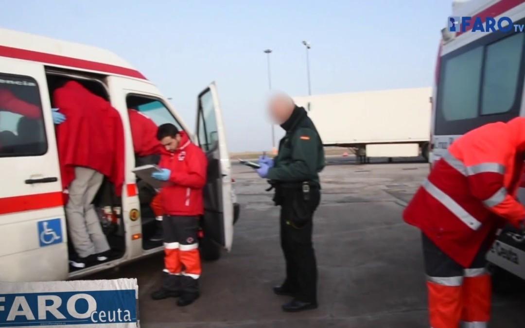 Salvamento Marítimo rescata a diez inmigrantes a tres millas de Ceuta