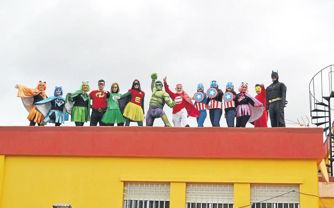 Los superhéroes 'salvan' al Rosalía