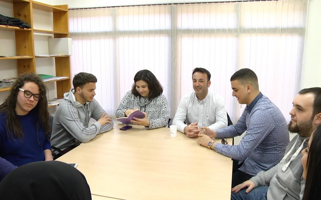 El consejero Fernando Ramos abordará el Plan de Juventud con Jóvenes Caballas
