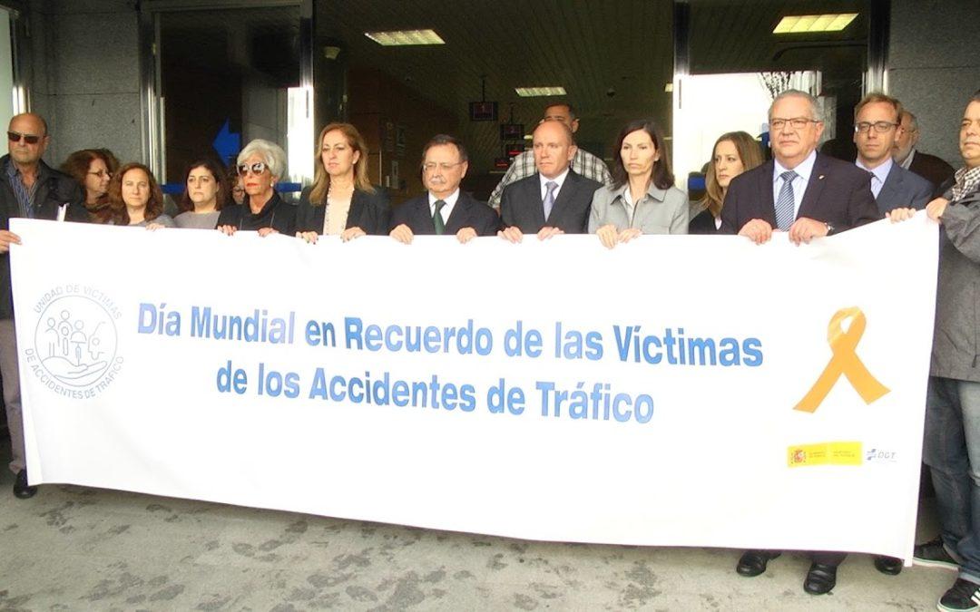 Minuto de silencio por las víctimas de accidentes de tráfico