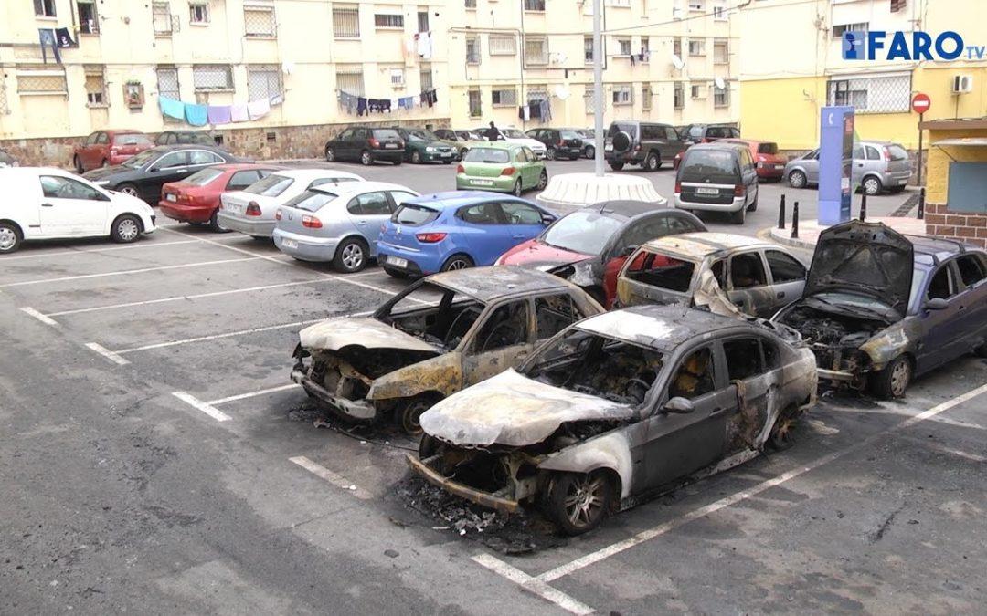 Tres vehículos calcinados y cuatro más afectados esta madrugada en Erquicia