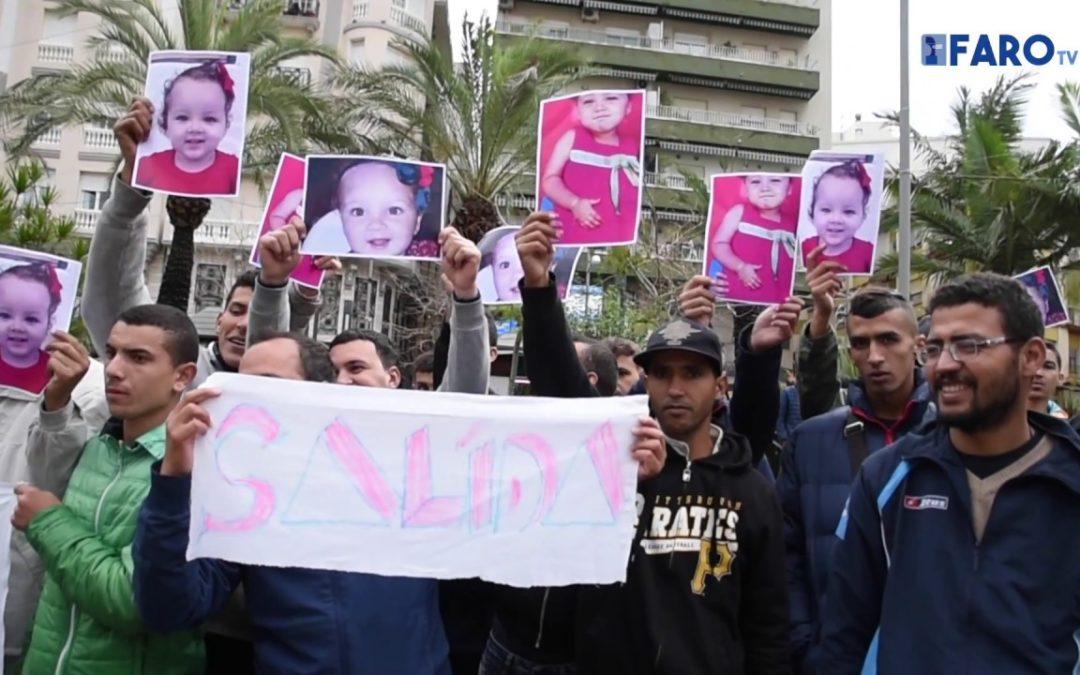 El colectivo de argelinos del CETI vuelve a manifestarse ante Delegación