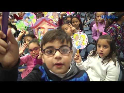 El 'Juan Carlos I' celebra el Día Internacional de la Infancia