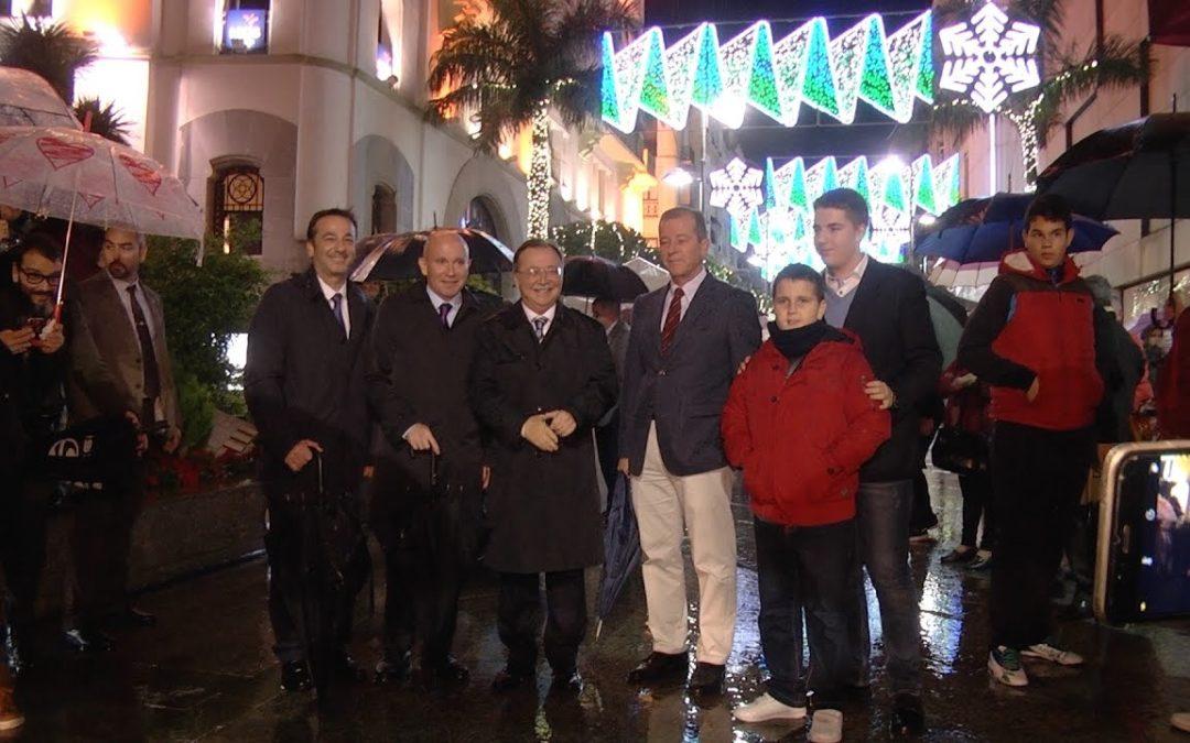 Una 'lluvia' de luces navideñas