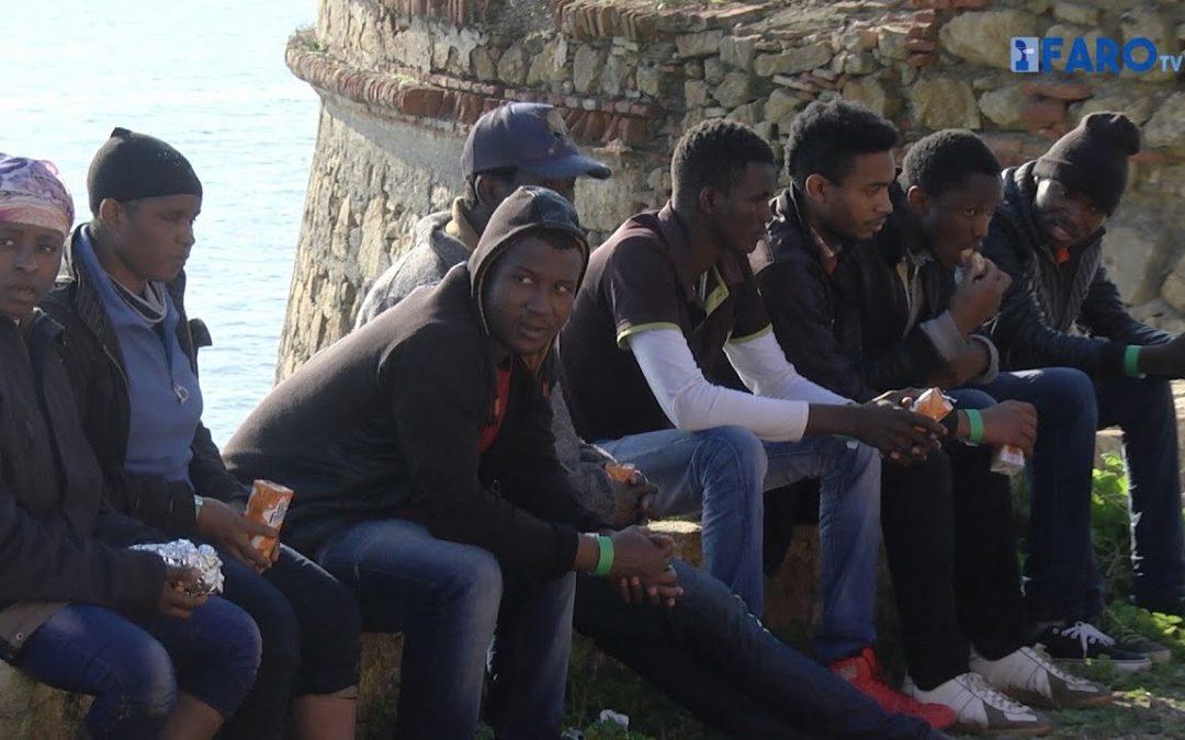 Llegada de once subsaharianos en patera al Sarchal