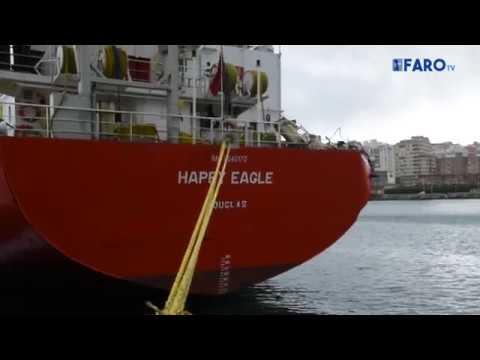 Dos buques chocan en el Muelle Alfau