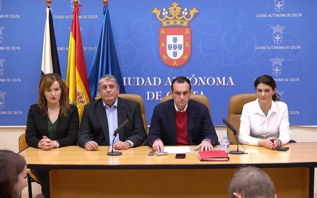 PSOE y Ciudadanos piden a Vivas que cese a Román y Rabea Mohamed