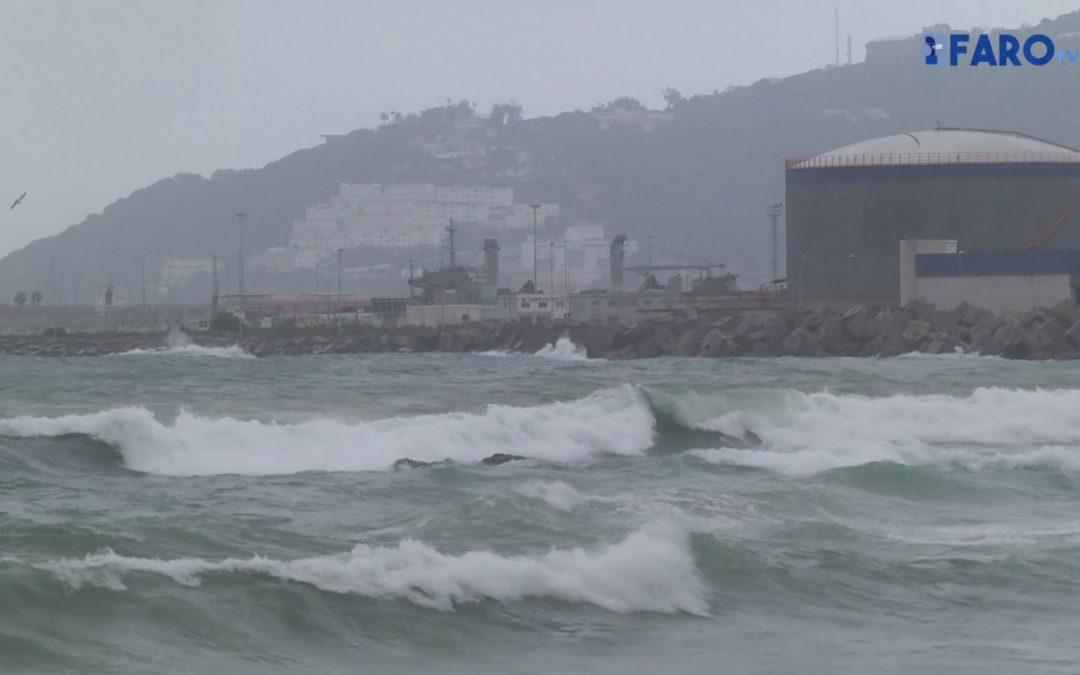La ciudad continúa incomunicada por el temporal