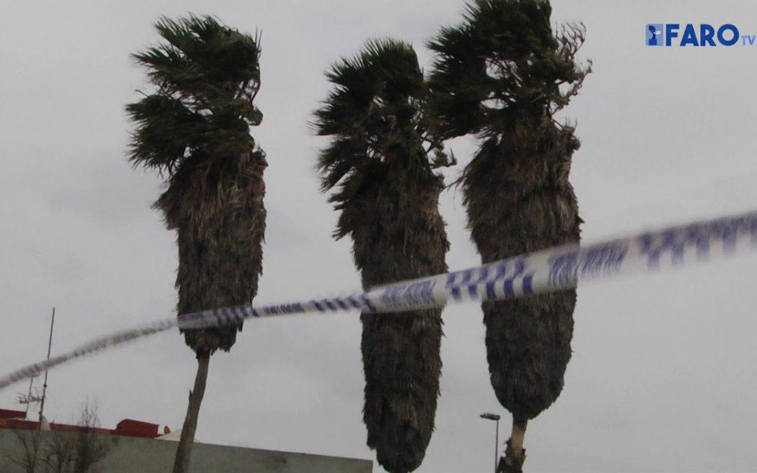 El viento causa problemas en Ceuta, que sigue aislada por mar