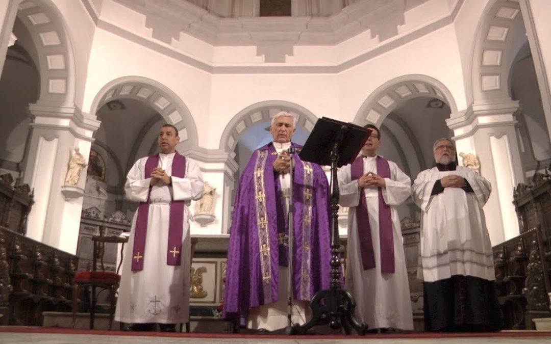 El Resucitado preside el último Vía Crucis Cuaresmal
