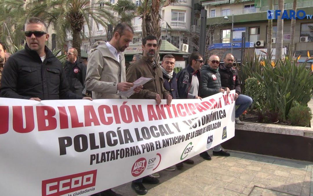 Los policías locales piden a Montoro que cumpla con la promesa de la jubilación anticipada