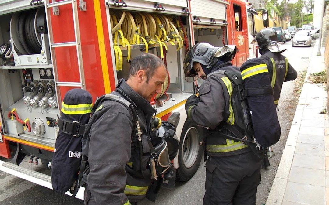 Bomberos sofoca un incendio en una vivienda de Loma Larga 4
