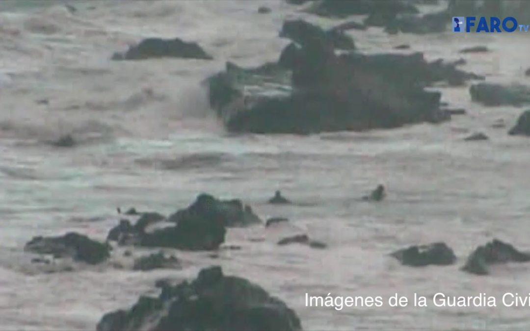 Las imágenes en las que un teniente de la Guardia Civil de Ceuta rescata a una subsahariana