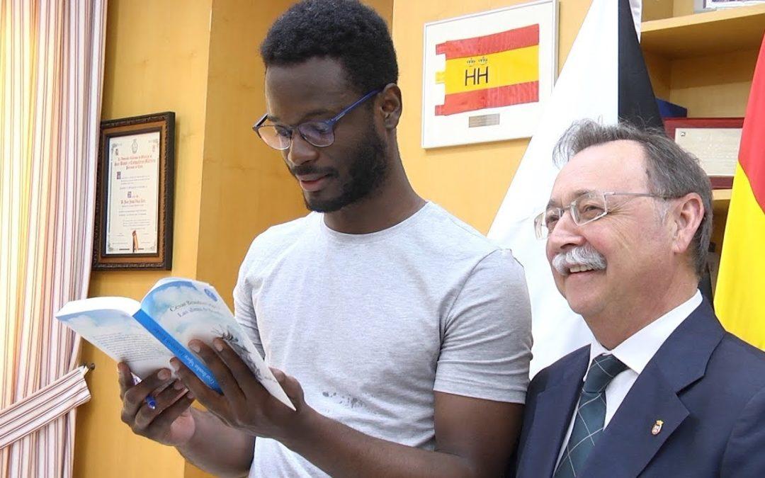 El 'huracán' Brandon inaugura la Feria del Libro