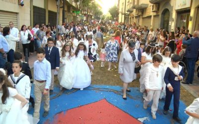 Las calles de Ceuta se visten de Corpus Christi