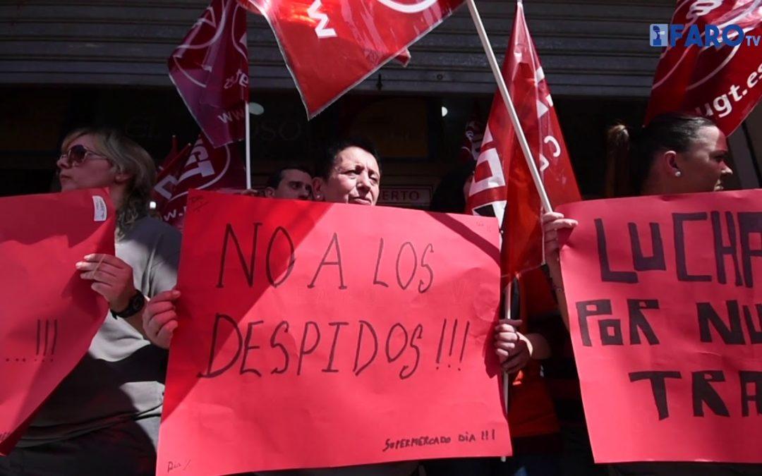 Los trabajadores del DIA se concentran para evitar el cierre de los supermercados