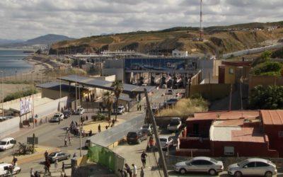 La delegación del Gobierno prevé terminar con las avalanchas de porteadores en el mes de octubre