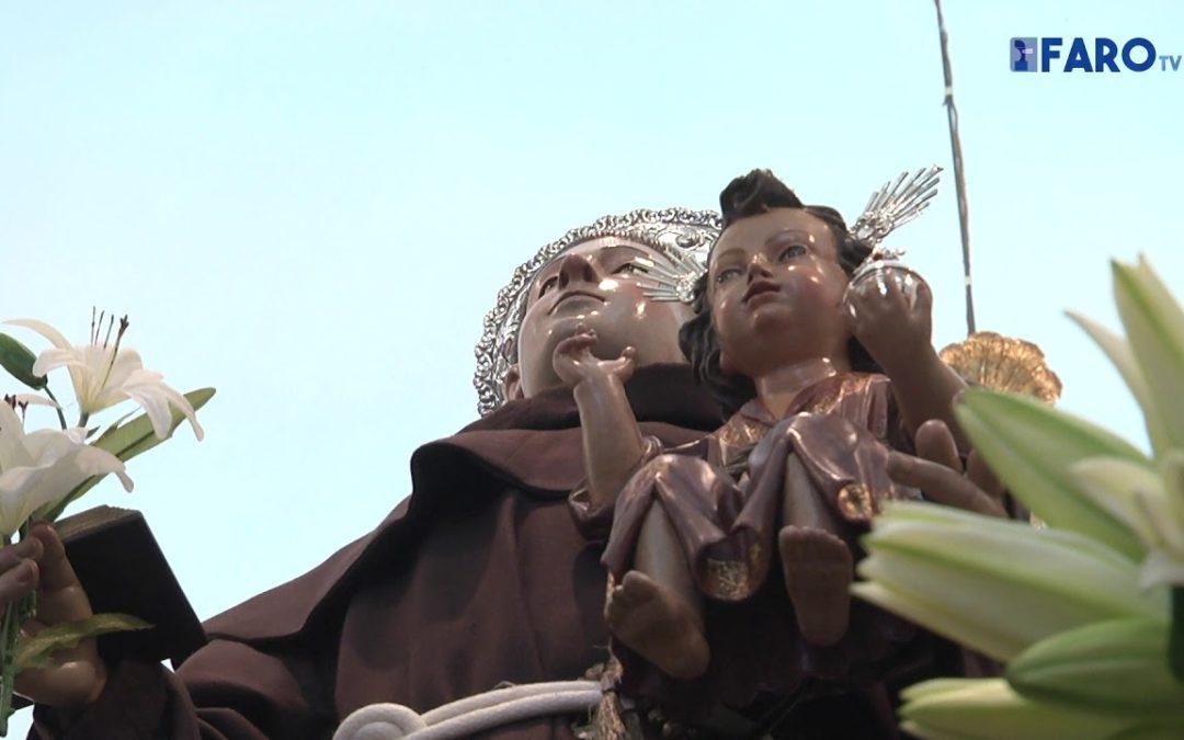 San Antonio luce engalanado a la espera de los fieles