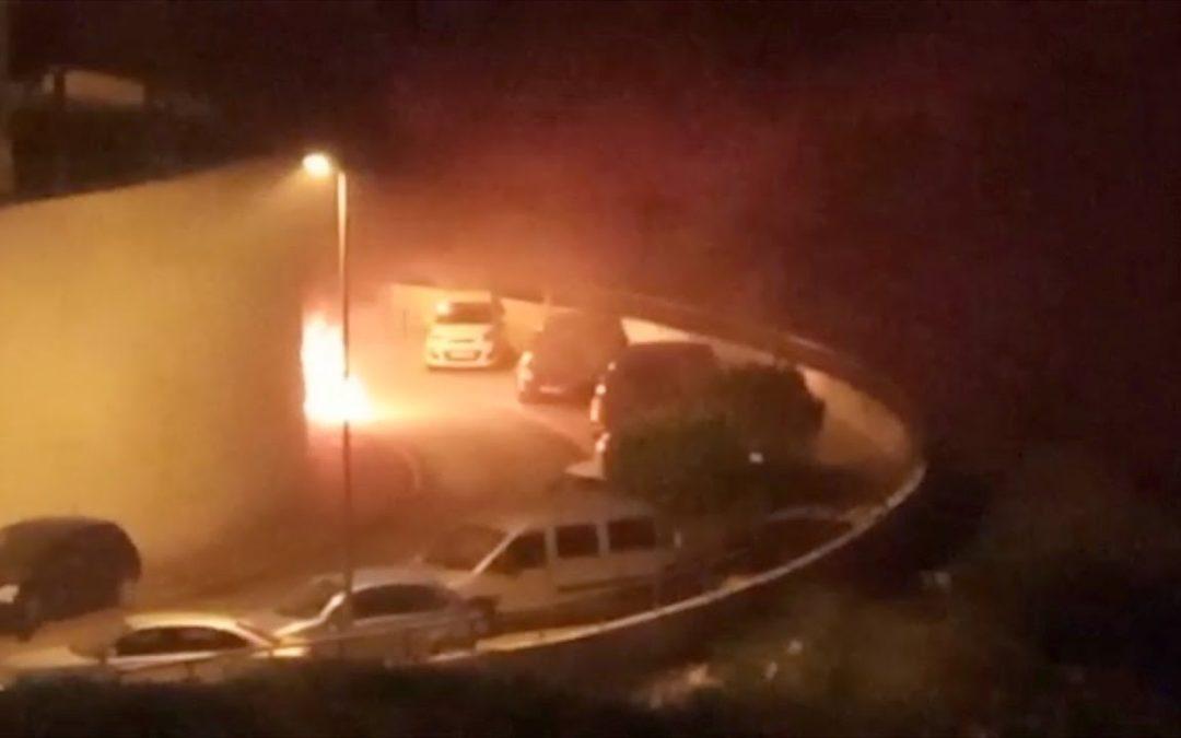 Madrugada de incendios en Ceuta  un coche y varios contenedores