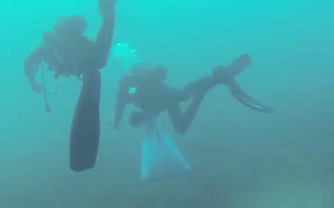 163 kilos de residuos extraídos de los fondos y playa de Santa Catalina