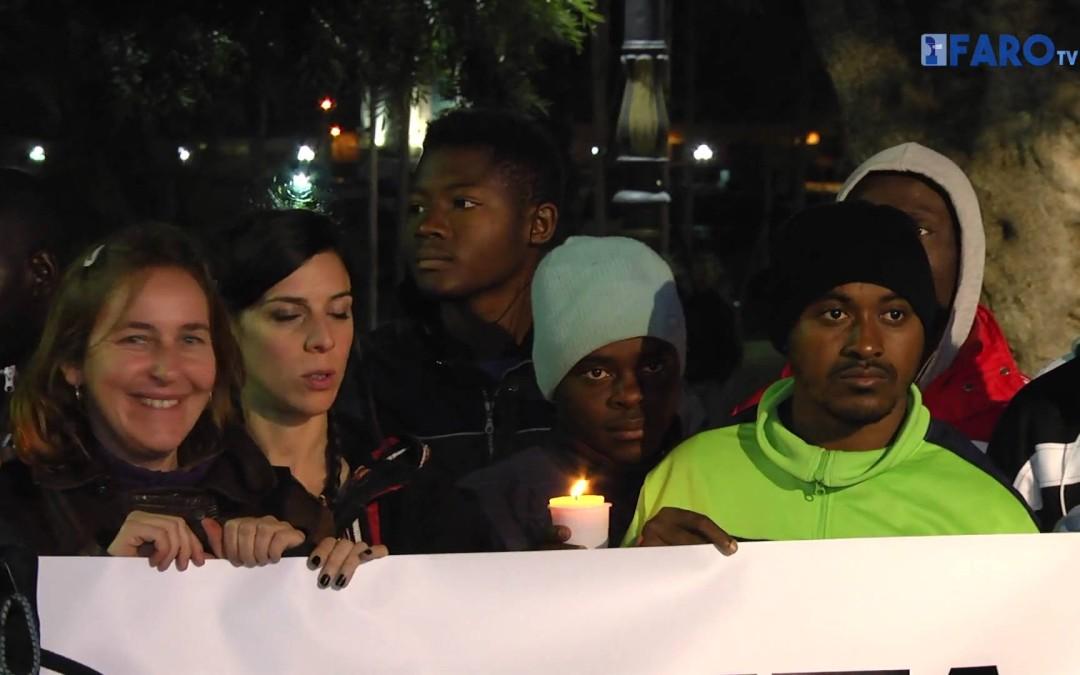 Círculo de silencio celebrado ayer en la Plaza de la Constitución