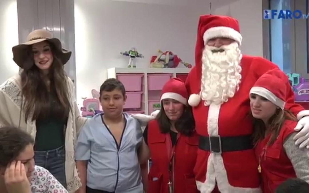 El SUP acudió en vísperas de Navidad al Hospital Universitario para entregar regalos a los niños