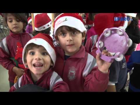 Escolares del Mare Nostrum cantan villancicos en el Centro de Mayores