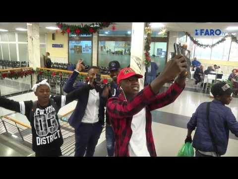 Nueva salida de inmigrantes del CETI a la Península