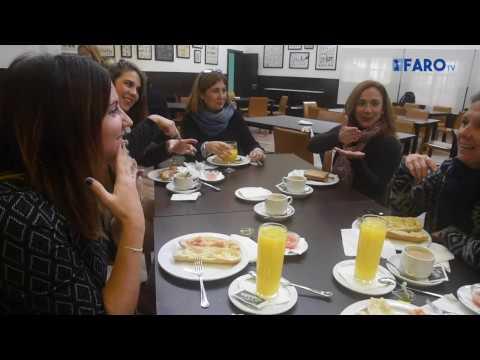 'Café con signos' en el IES Almina