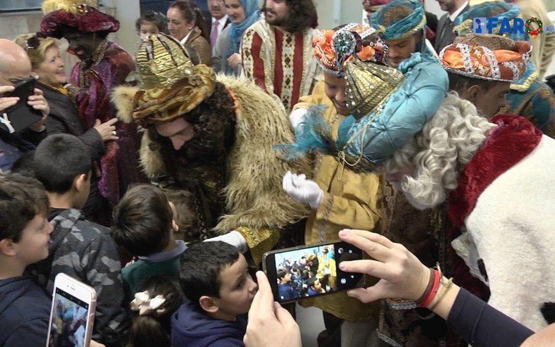 Sus Majestades desembarcan en Ceuta