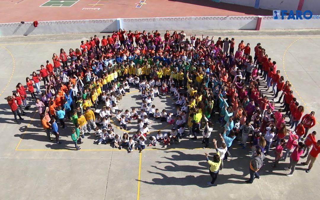 El 'Juan Carlos I' crea la paz