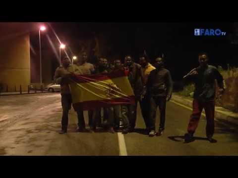 Subsaharianos dispersos por distintos puntos de Ceuta en busca del CETI