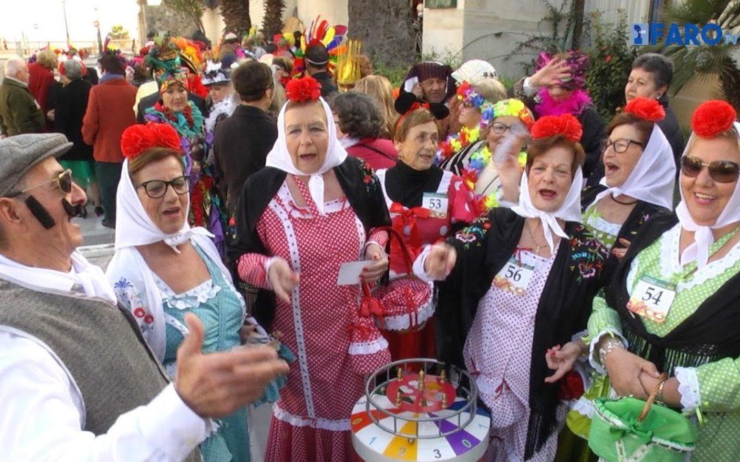 Los mayores celebran el Carnaval en el 'Muralla'