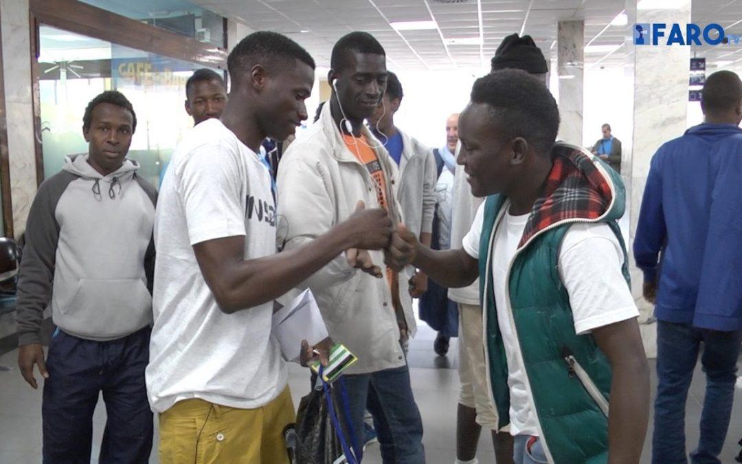 Salida de 38 inmigrantes a la península