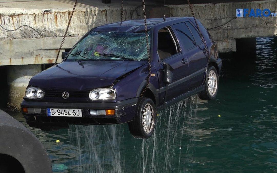 La Guardia Civil investiga la muerte de un marroquí tras caer al agua con su coche