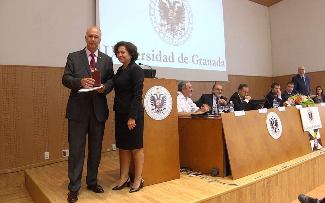 La UGR reconoce su labor a los docentes Ramón Galindo y Francisco Díaz