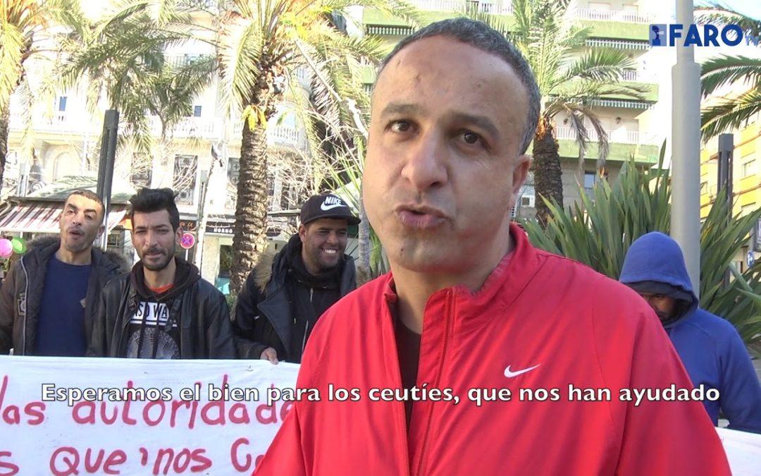 Los argelinos abandonan la protesta en la Plaza de los Reyes