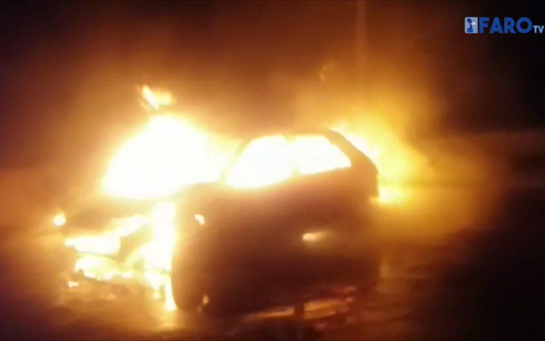 Incendio de un vehículo en la barriada del Príncipe