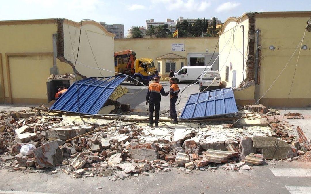 Aparatoso accidente de un camión grúa en Cañonero Dato