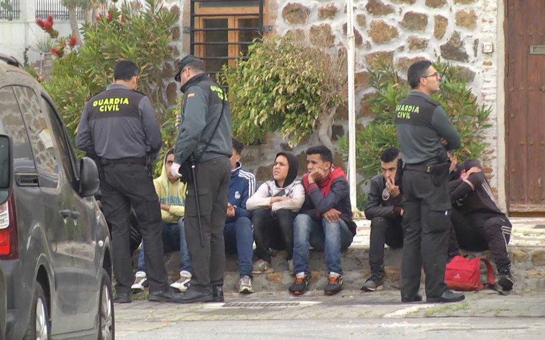 Una patera que no llega a la mayoría de edad, en Ceuta