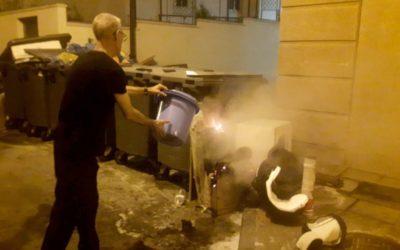 Mismo individuo, nuevo fuego: salen ardiendo (otra vez) contenedores en la Calle Isabel Cabral