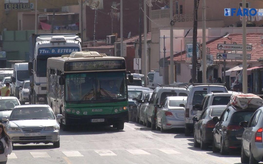 Las habituales colas de coches en la frontera de Ceuta con Marruecos